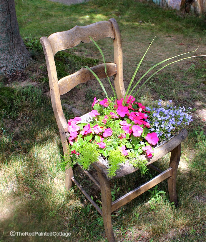 Detailed Tutorial For Adding Chicken Wire To A Chair For Flowers