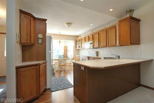 old kitchen 11