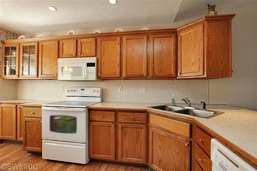 old kitchen 9