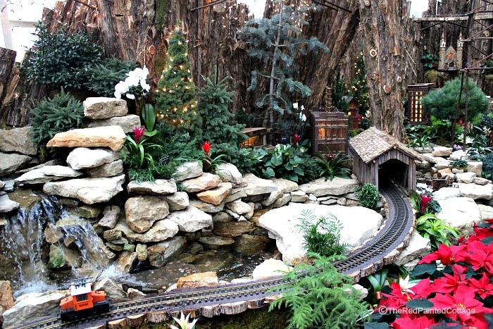 Gardens train14