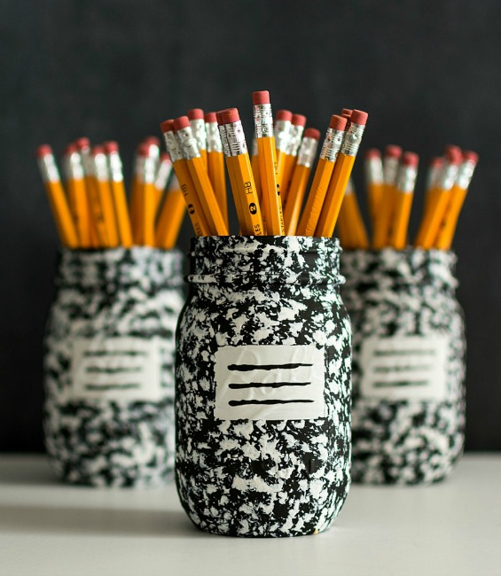 Pencil-Holder-Mason-Jar-Craft-Composition-Book-2-@Mason-Jar-Crafts-Love-890x1024