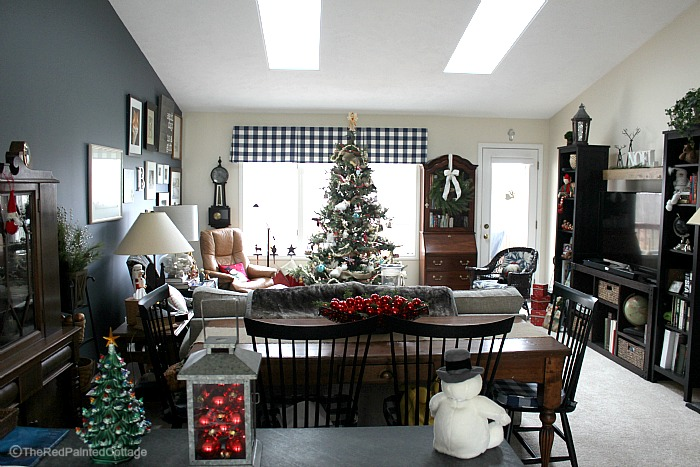 Our 2015 Christmas Home Tour, Part 2 - The Red Painted Cottage