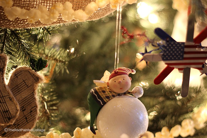 Christmas closeup tree1