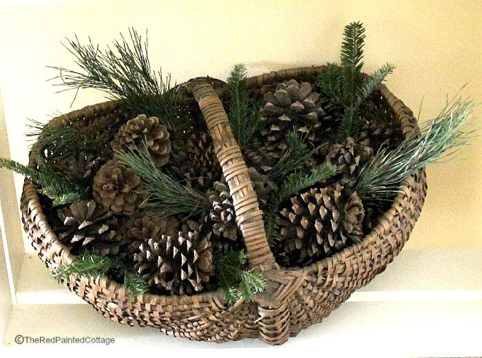 Christmas pinecones