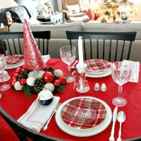 Red And White Tablescape For Christmas Eve