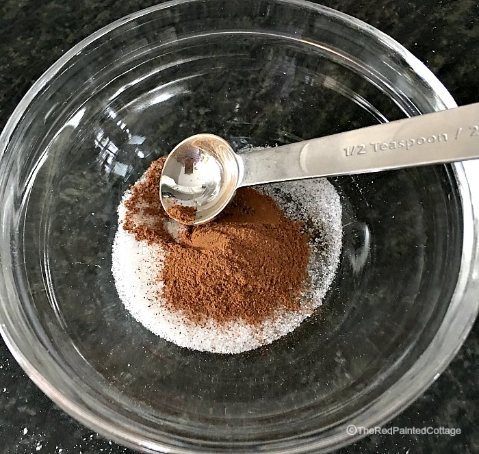 cinnamon and sugar for bread topping